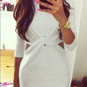 Dresses & Skirts - BLOGGER FAV white knot mini dress size 4 NWT